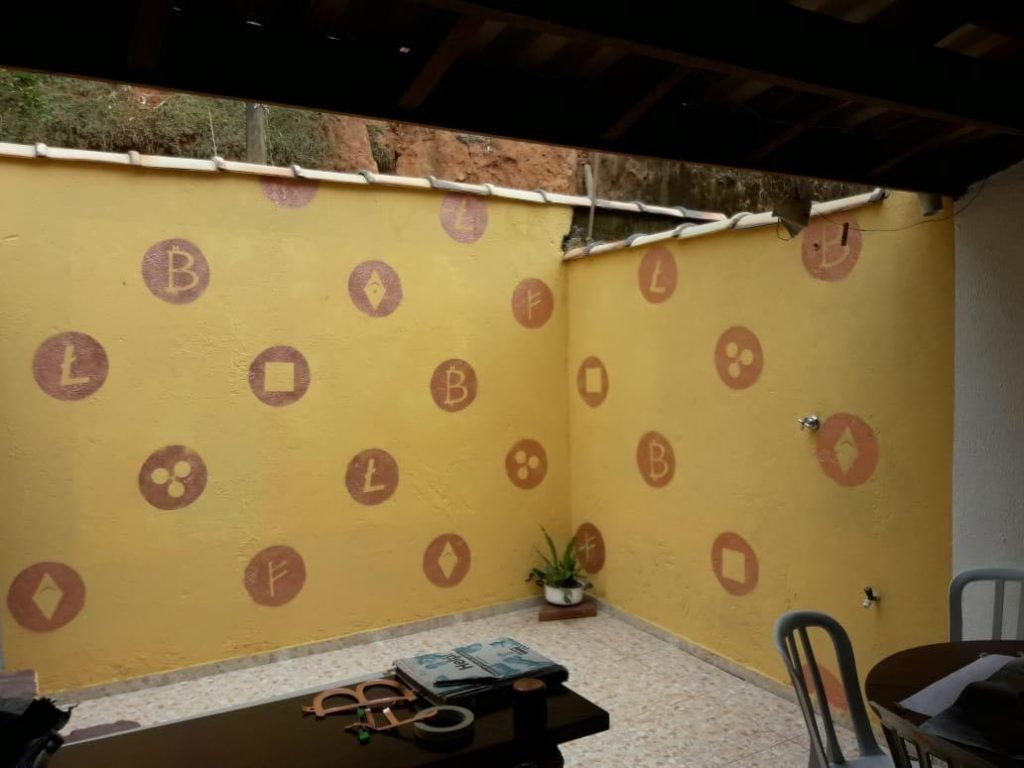 Bitcoin-Themed Hostel Opens in Scenic Brazilian Beach Town of Paraty