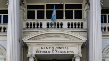 argentinian central bank to lift freeze on bank fee increases sets the ceiling for future hikes at 9 768x432 1