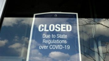 us banks face a massive commercial real estate crisis looming on the horizon 768x432 1